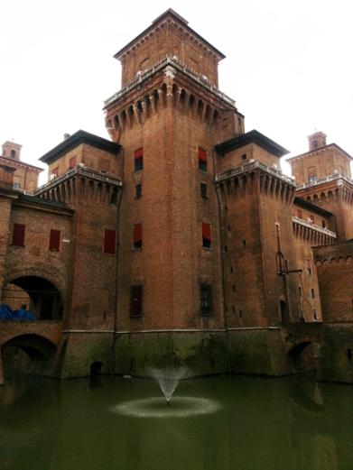 ferrara_castle-estense
