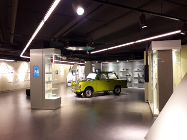 Trabant_ensemble_GermanSpyMuseum