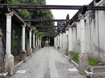 Tomba di Giulietta, Verona - intrare