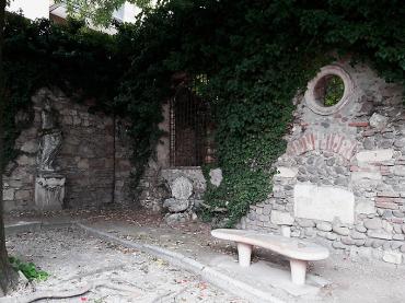 Tomba di Giulietta - curte interioară