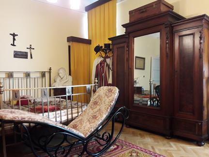 Muzeu-Codreanu_dormitor