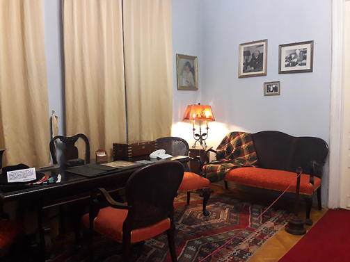 Muzeu-Sadoveanu_birou